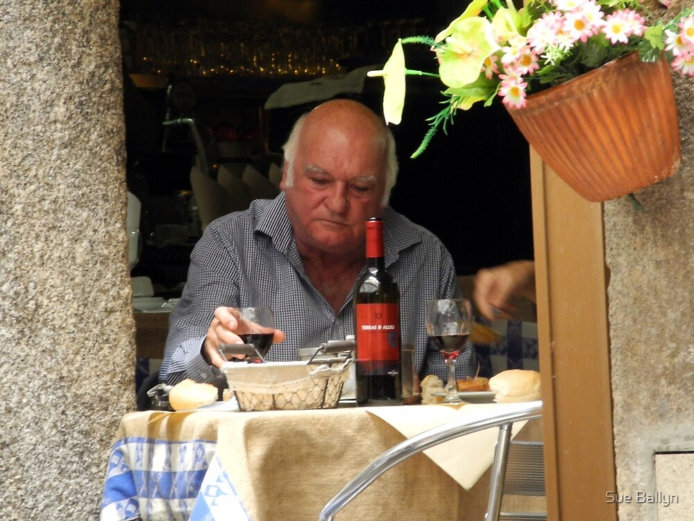 Oporto: Quiet Lunch by Sue Ballyn