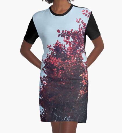 Lieber roter Baum T-Shirt Kleid