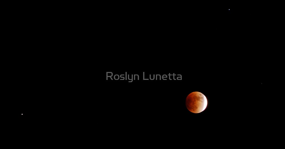 lunar eclipse with saturn and regulus by Roslyn Lunetta