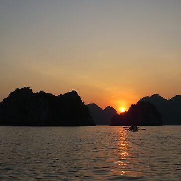 Sunset Ha Long Bay, Vietnam by shawnzahavi