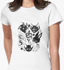 Familiäre Spirituosen Tailliertes T-Shirt für Frauen
