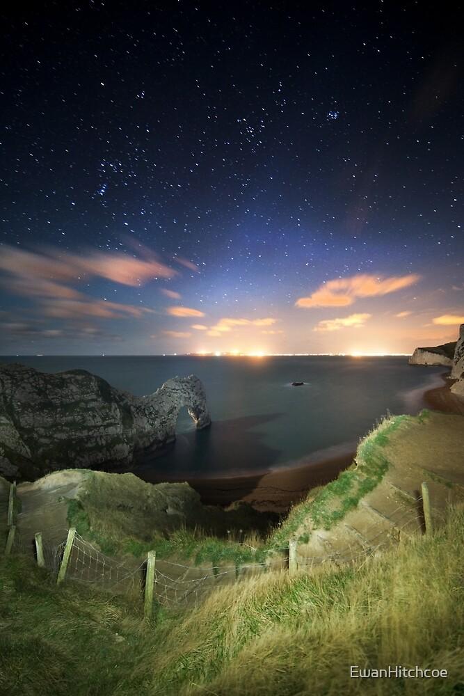 Durdle door - starry night PT by EwanHitchcoe