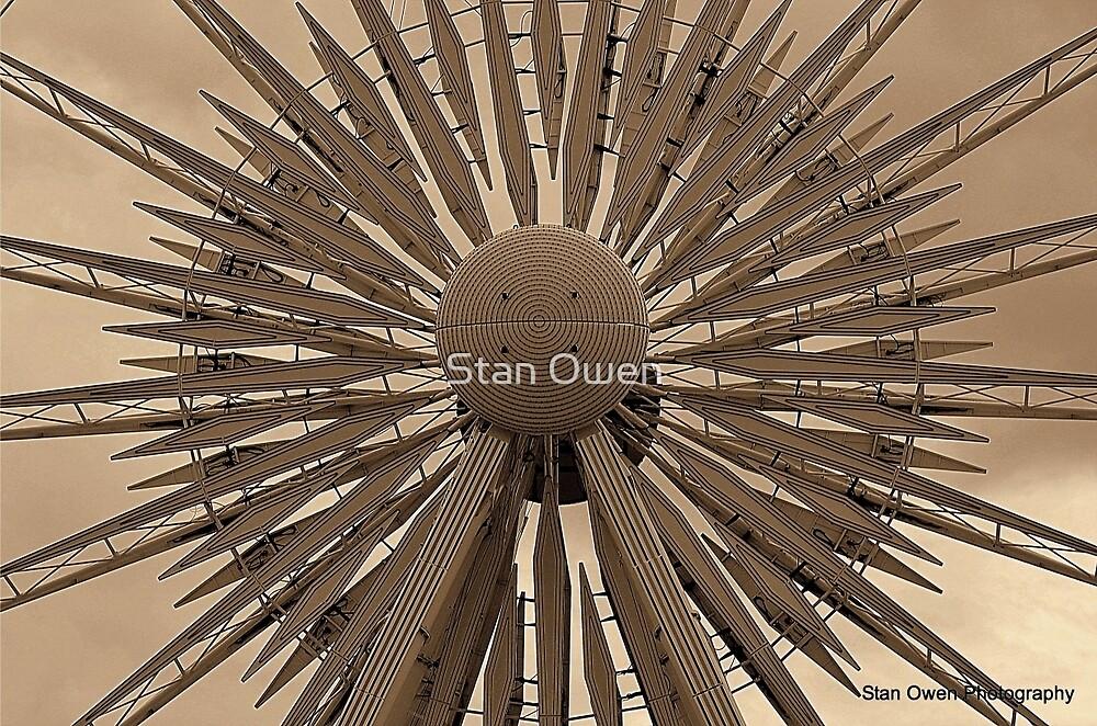 Echo Wheel Middle. by Stan Owen