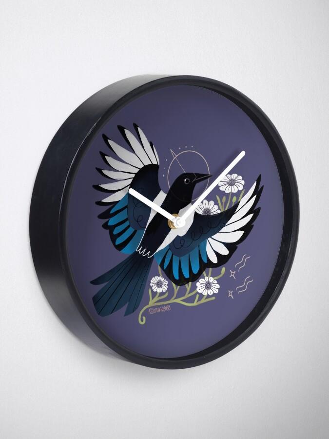 Vista alternativa de Reloj Familiar - urraca europea
