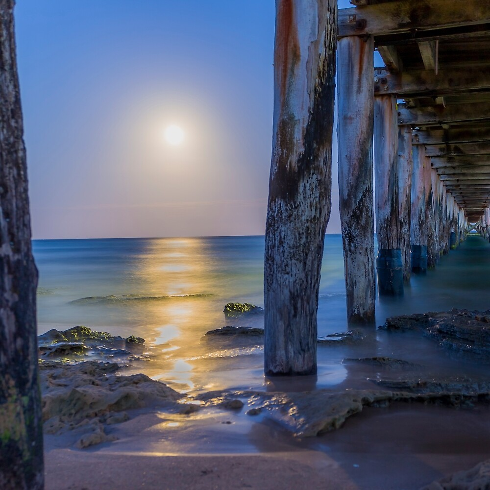 Pt Lonsdale Pier, Blood Moon. by PristineImages