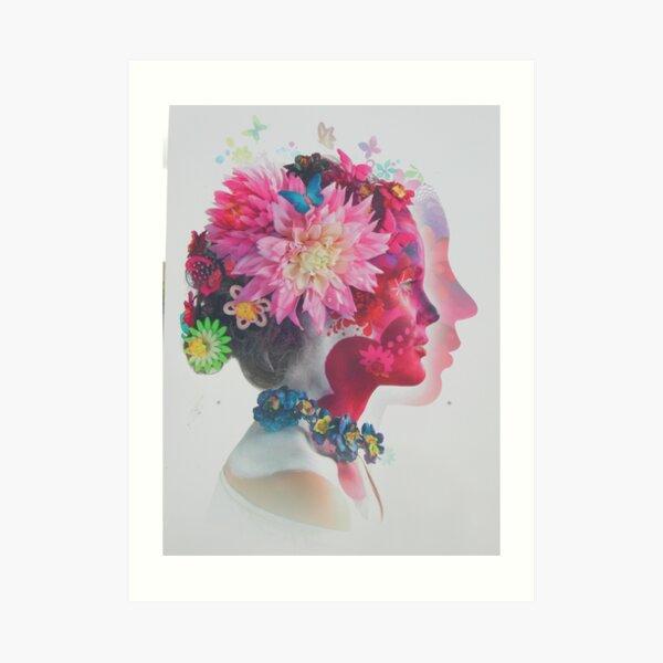 Frauenkopf mit Blumen im Haar Kunstdruck
