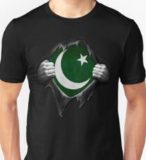 Pakistan Flag. Proud Pakistani T-Shirt