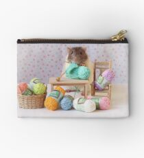 Snoozy wanted to knit ! Zipper Pouch