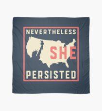 Trotzdem blieb sie bestehen. Widerstehen Sie mit Lady Liberty Tuch