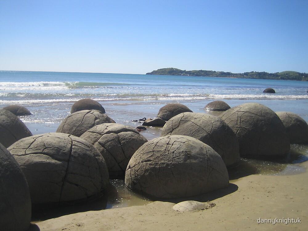 Moraki Boulders by dannyknightuk