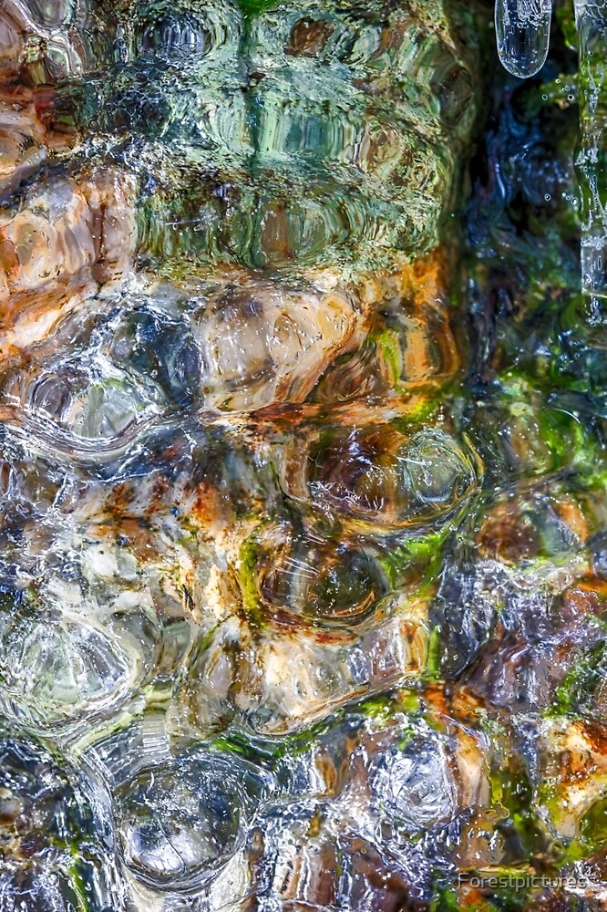 Frozen coloful rock by Forestpictures