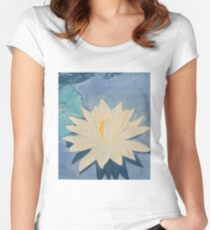 Water Lily Women's Fitted Scoop T-Shirt