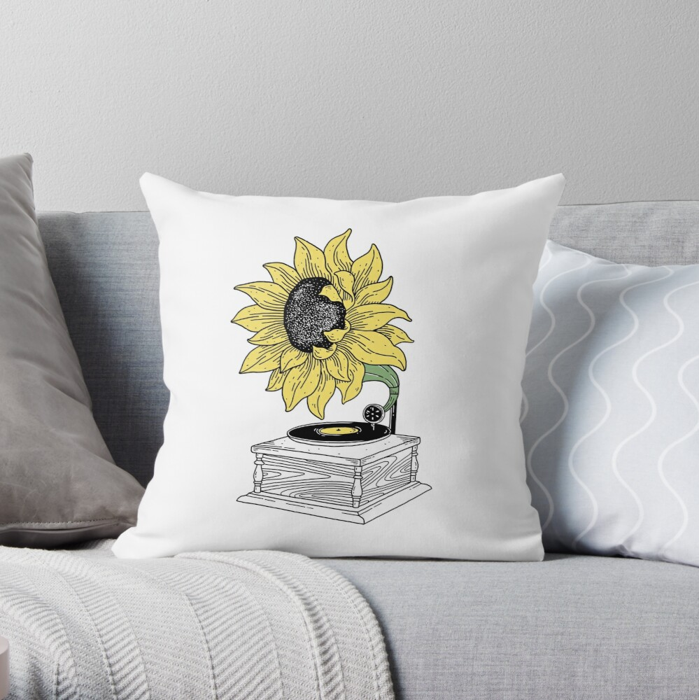 Singing in the sun Throw Pillow