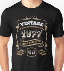 40th Birthday Gift Vintage 1977 Aged Perfectly Unisex T-Shirt