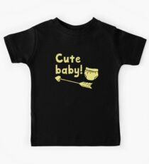 CUTE BABY with arrow and diaper Kids Tee