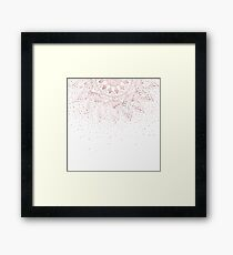 Lámina enmarcada Elegante diseño de confeti de mandala de oro rosa