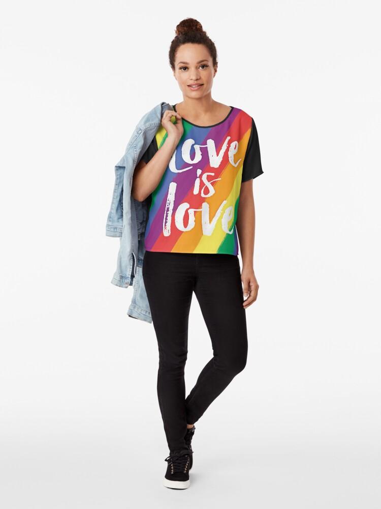 Vista alternativa de Blusa El amor es amor - orgullo de la bandera del arco iris