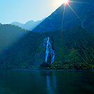 Lady Bowen Falls by kevin smith  skystudiohawaii