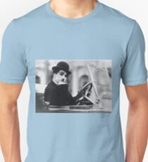 CINEMA / Charlie Chaplin in car Unisex T-Shirt