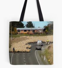 Is This A 65km Zone?..Moving Sheep - NZ Tote Bag