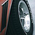 Roter Dämon 1969 Chevy Camaro SS: Reifendetail von Christopher Boscia