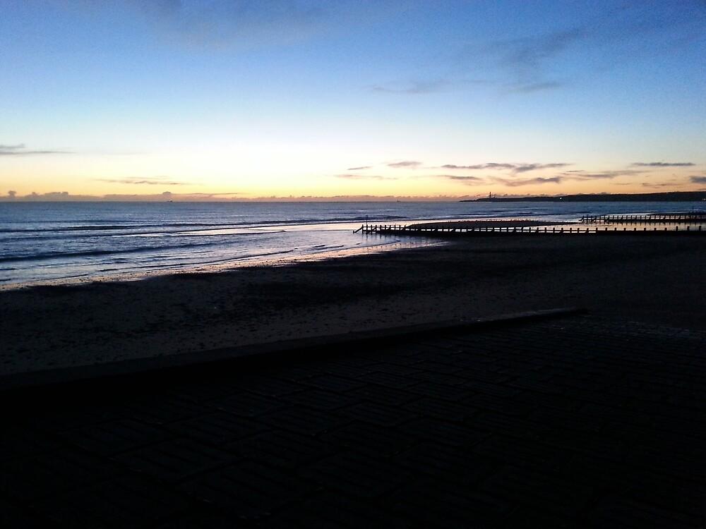Aberdeen beach - Sunrise by boneyem12