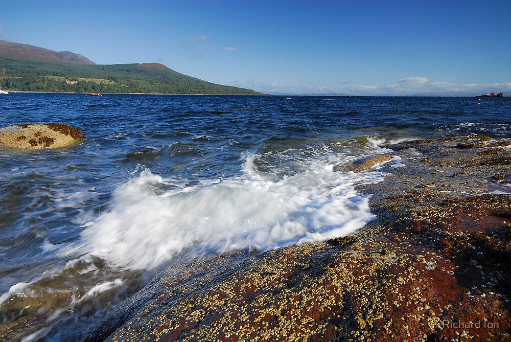 Brodick Bay, Isle of Arran by Richard Ion