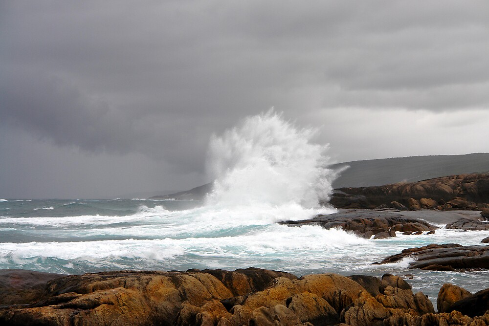 A stormy day - 1683 views by georgieboy98