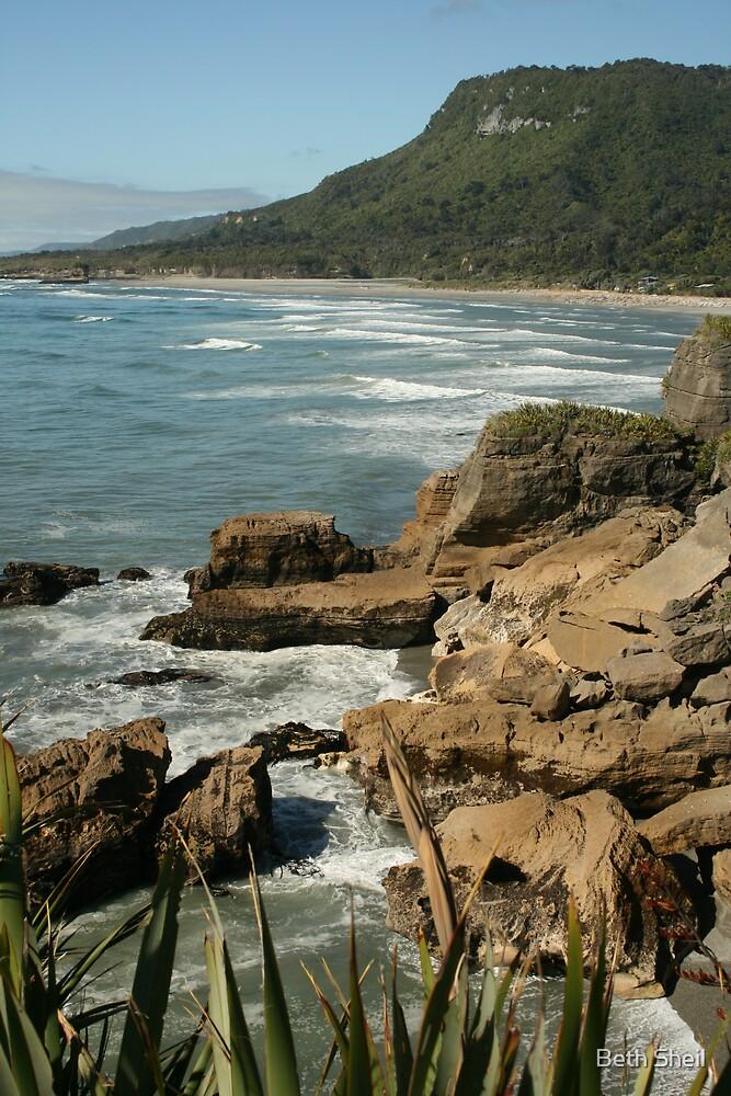 .west coast pancake rocks by Beth Sheil