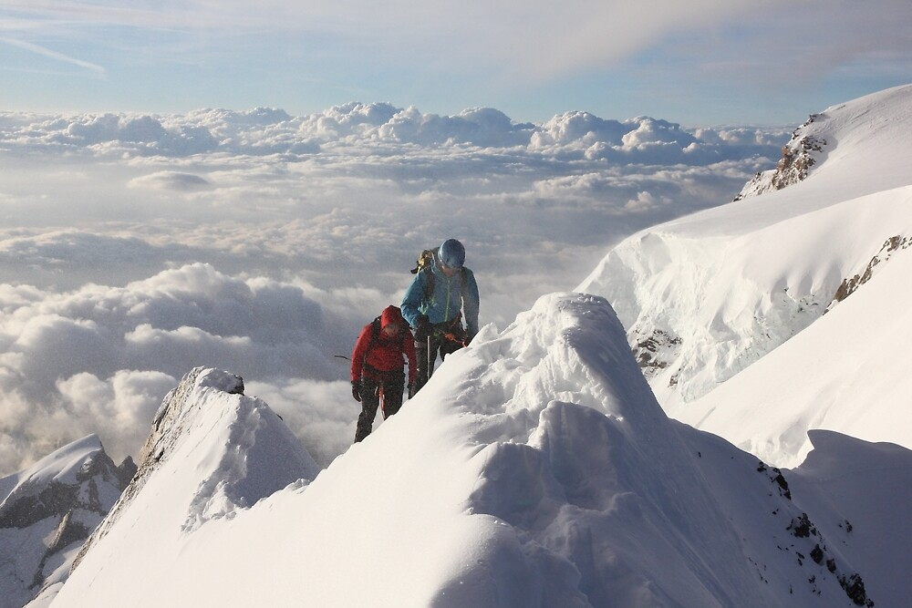 Climbing the thin ridge to the summit of Monte Rosa (4634m, Italian Alps) by Marion Joncheres