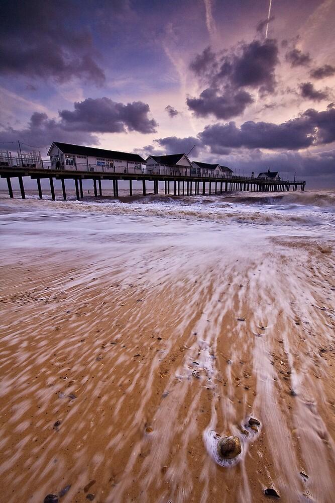 Stormy Seas by henroben