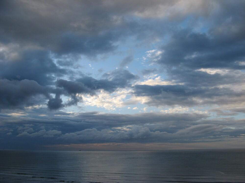Brooding sky by Neilo