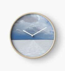 Nevereding white Clock