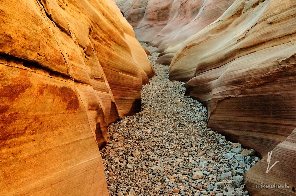 Pink Canyon by mikewheels