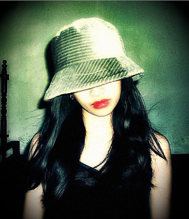 Hat and lips by Avriah