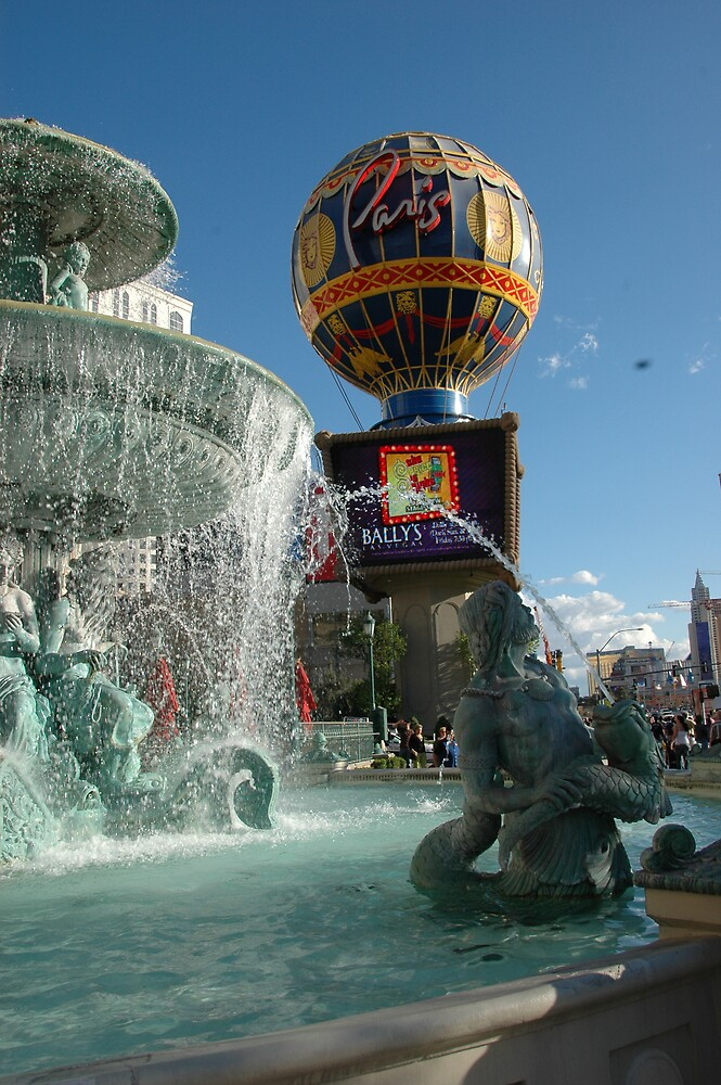The Hot Air Balloon and the Fountain, outside the Paris, Las Vegas.. by bertspix