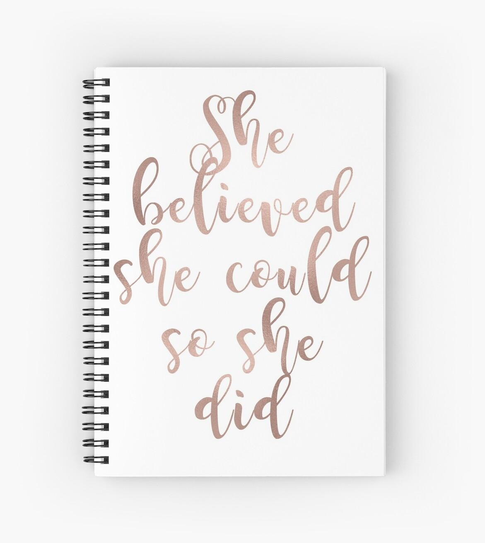 «El oro rosa creía que ella podría, así lo hizo» de peggieprints