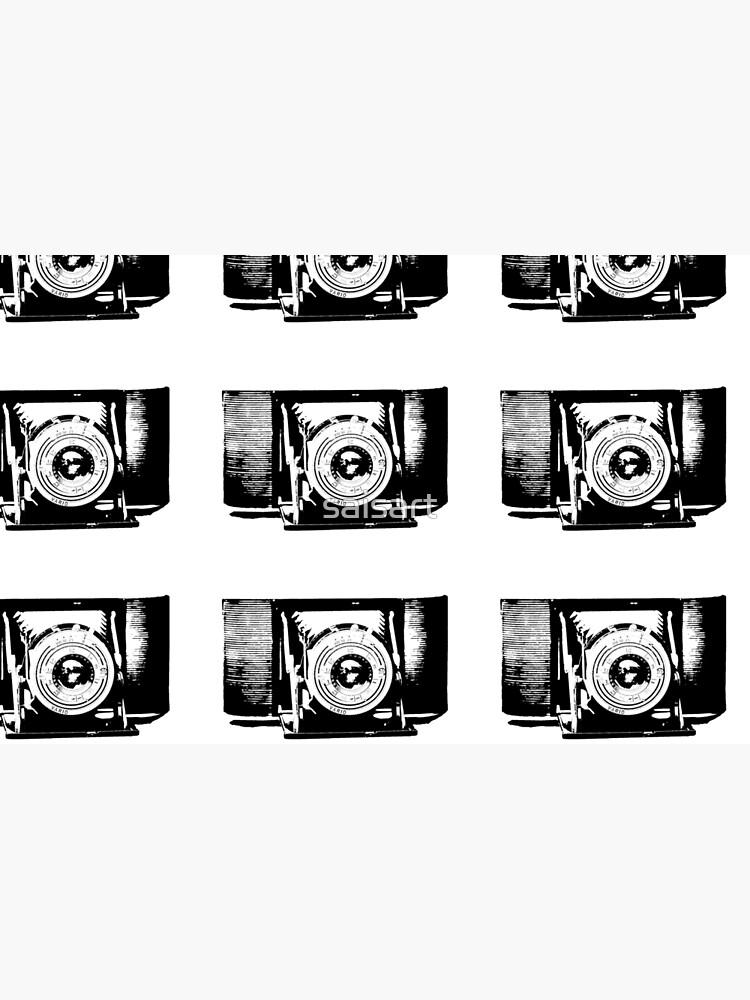 Old fashioned camera von saisart