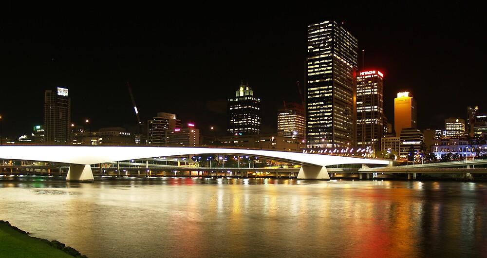 Victoria Bridge at night by flash62au