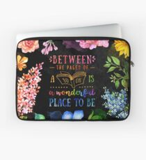 Between the pages Laptop Sleeve