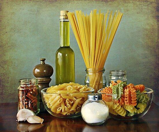 Aglio, olio peperoncino (garlic, oil, chili) noodles by gameover