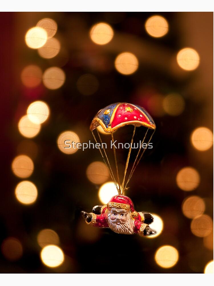 Skydiving Santa by stephenknowles