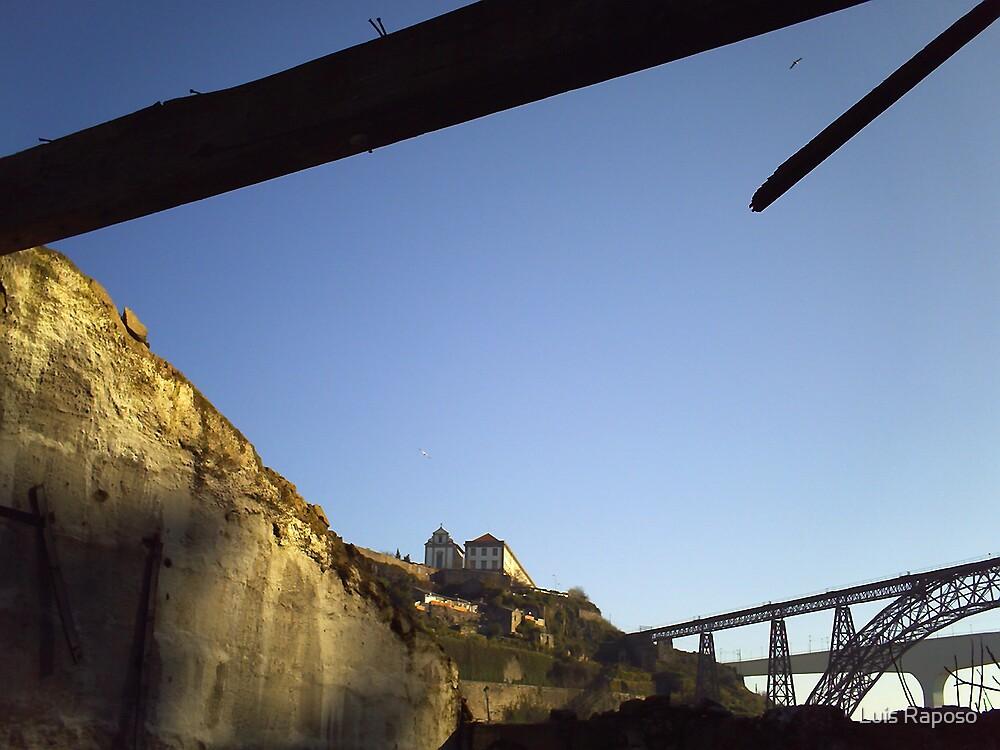 Ruinas com vista para o Porto by Luis Raposo