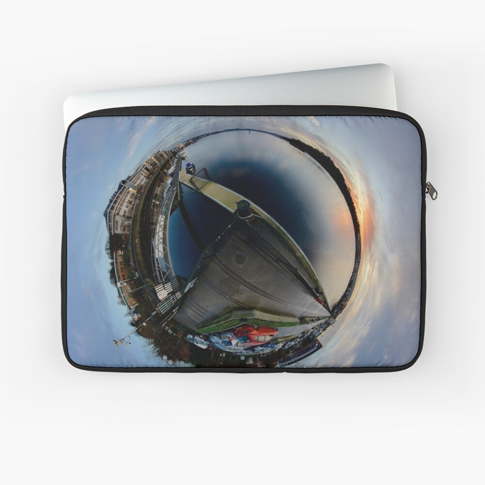 Foyle Marina at Dawn, Stereographic Laptop Sleeve