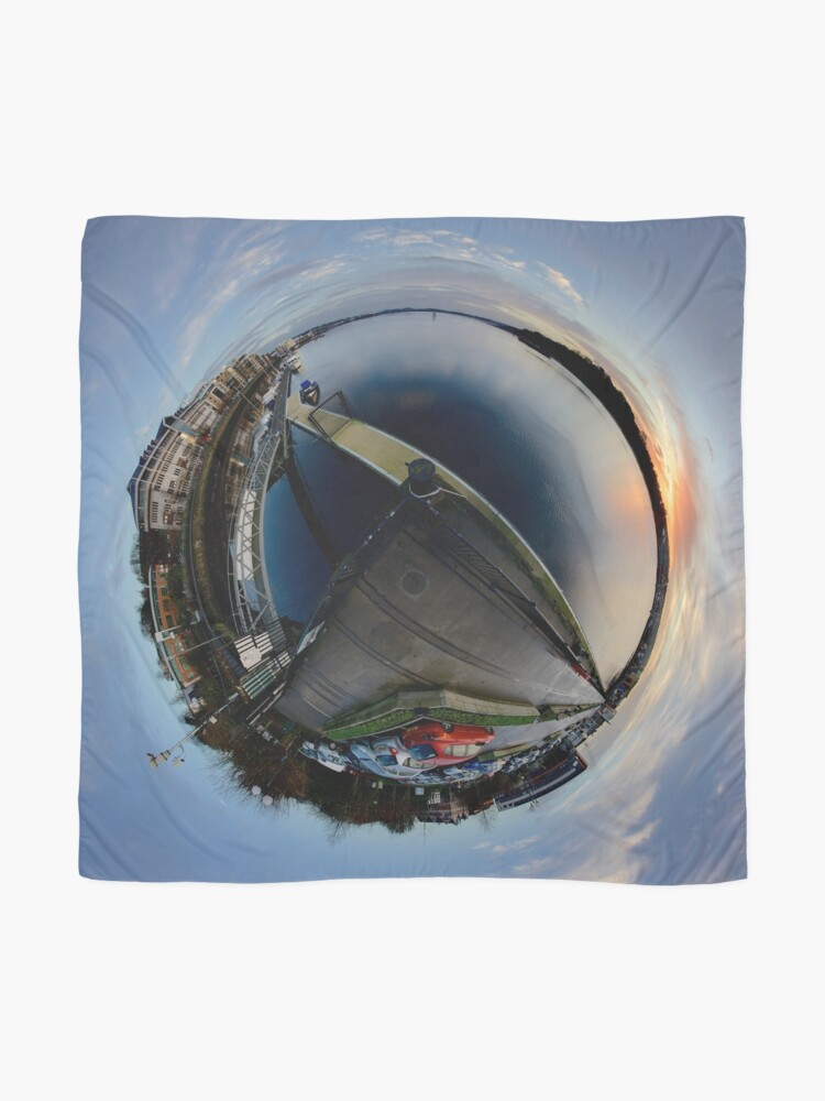 Alternate view of Foyle Marina at Dawn, Stereographic Scarf