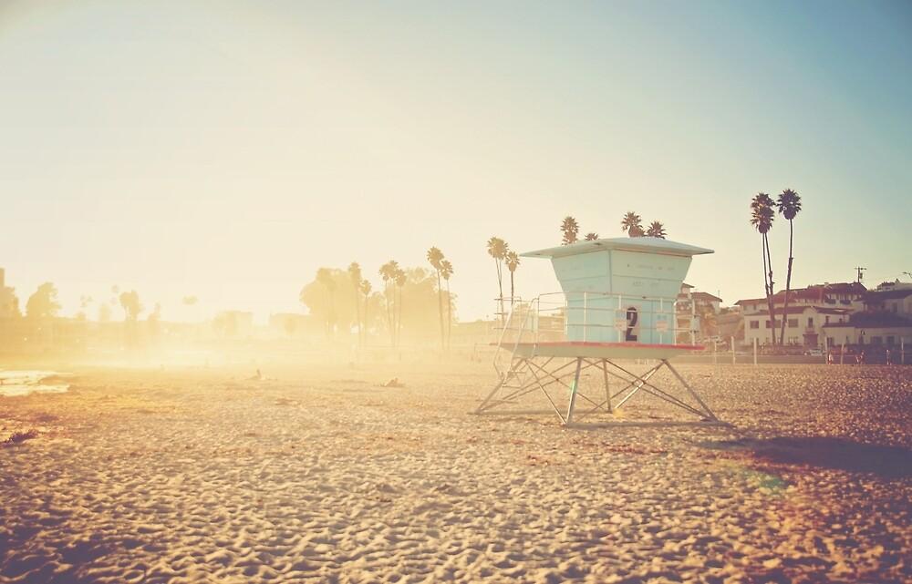 Beach Scene by rambleandrevel