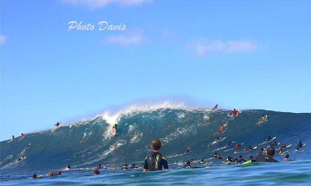 Epic wave by Gosha Davis