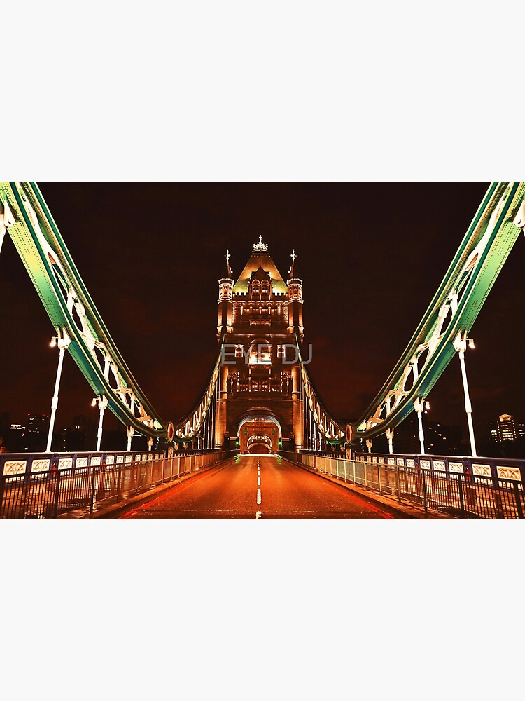 EARLY HOURS. (Tower Bridge) by iDJPhotography