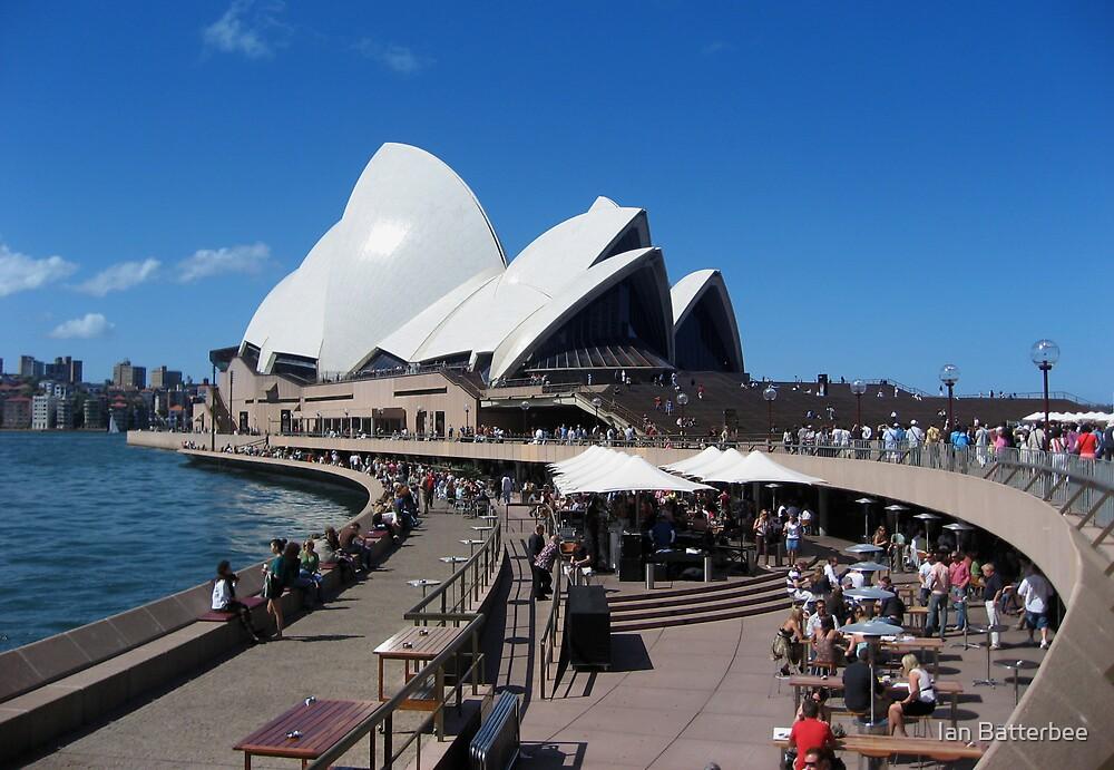 Sydney Opera House by Ian Batterbee