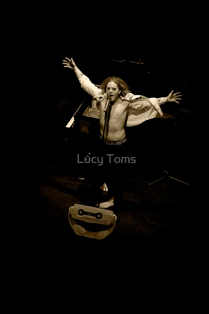 Tim Minchin - Blow Drying by Lucy Johnston